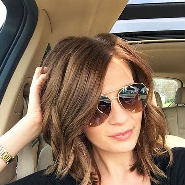 40 Best Medium Hairstyles And Haircuts Of 2019